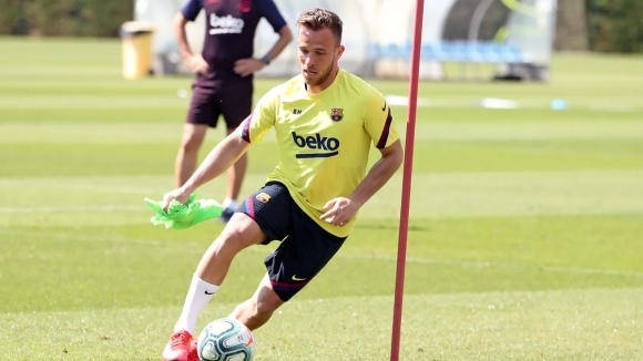 Полузащитникът на Барселона Артур Мело е все по-близо до трансфер