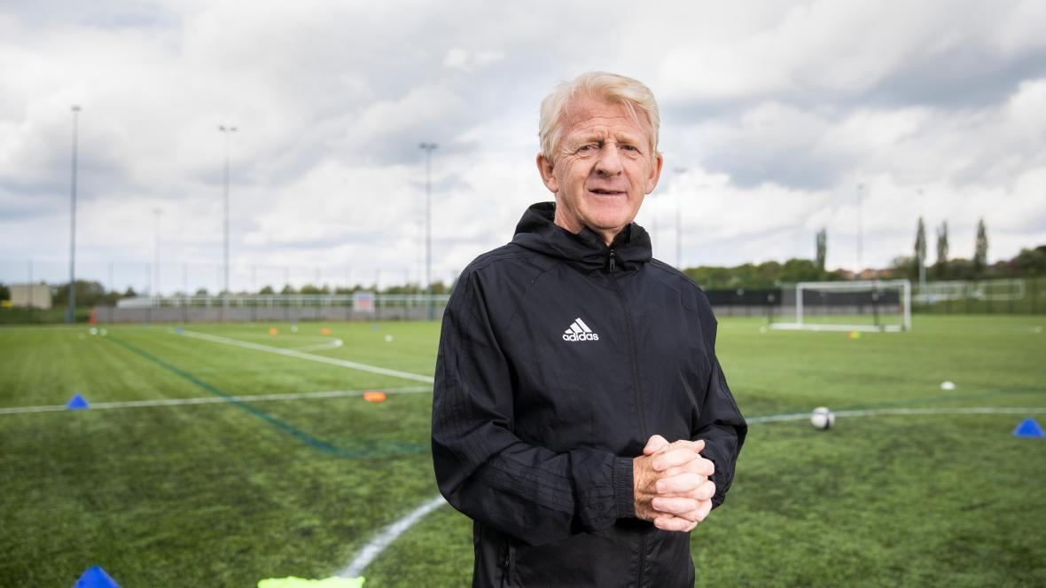 Липсата на изцяло професионални клубове в Шотландия е попречила изключително