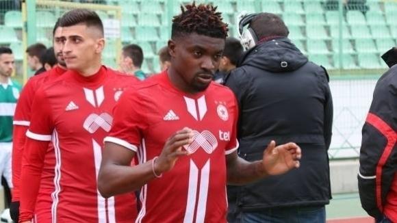 Бившият футболист на ЦСКА-София Петрус Бумал преговаря за трансфер в