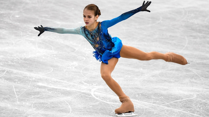 Двукратната световна шампионка по фигурно пързаляне за девойки Александра Трусова