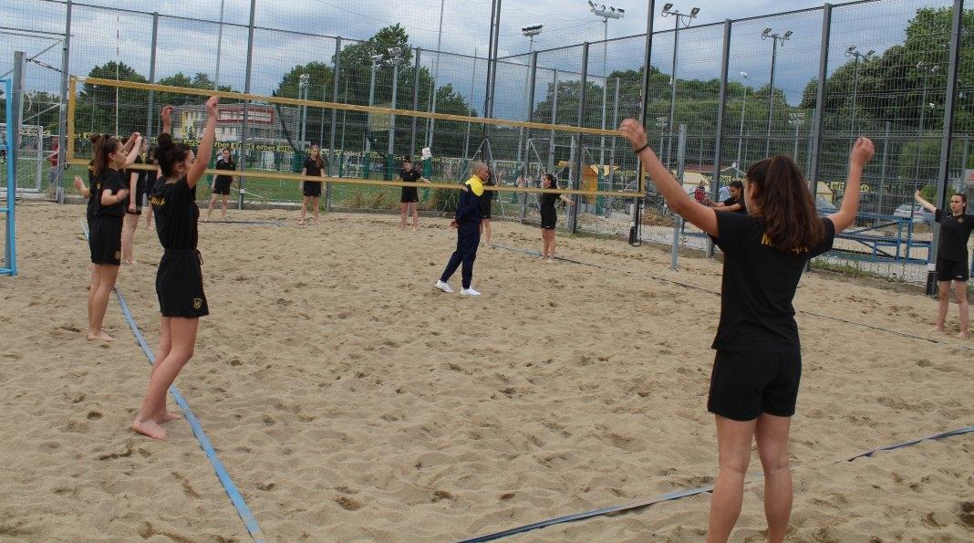 След почти три месеца школата на Марица (Пловдив) поднови тренировки