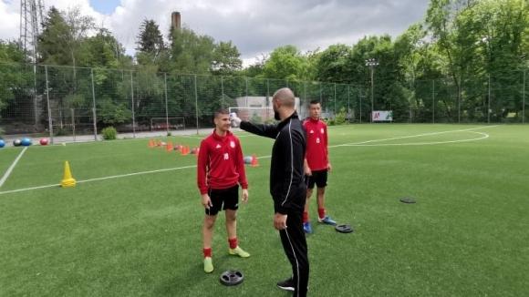 Днес младите таланти от Академия ЦСКА-София подновиха тренировки след близо