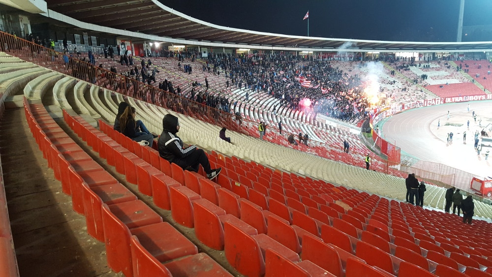 Властите в Сърбия ще допуснат запалянковци на спортни състезания на