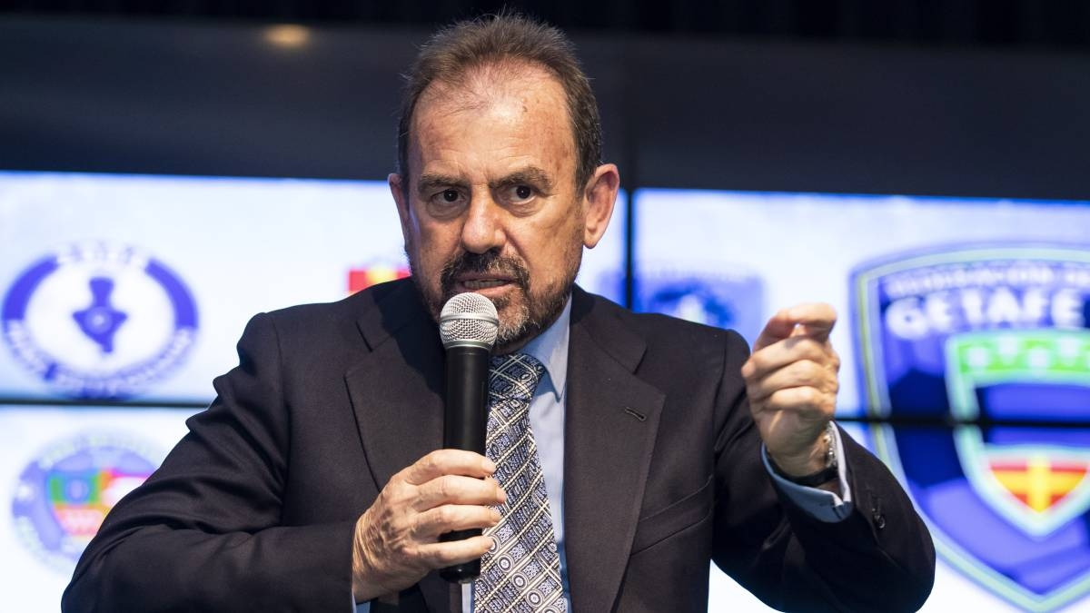 УЕФА планира да завърши сезона в Шампионската лига и Лига