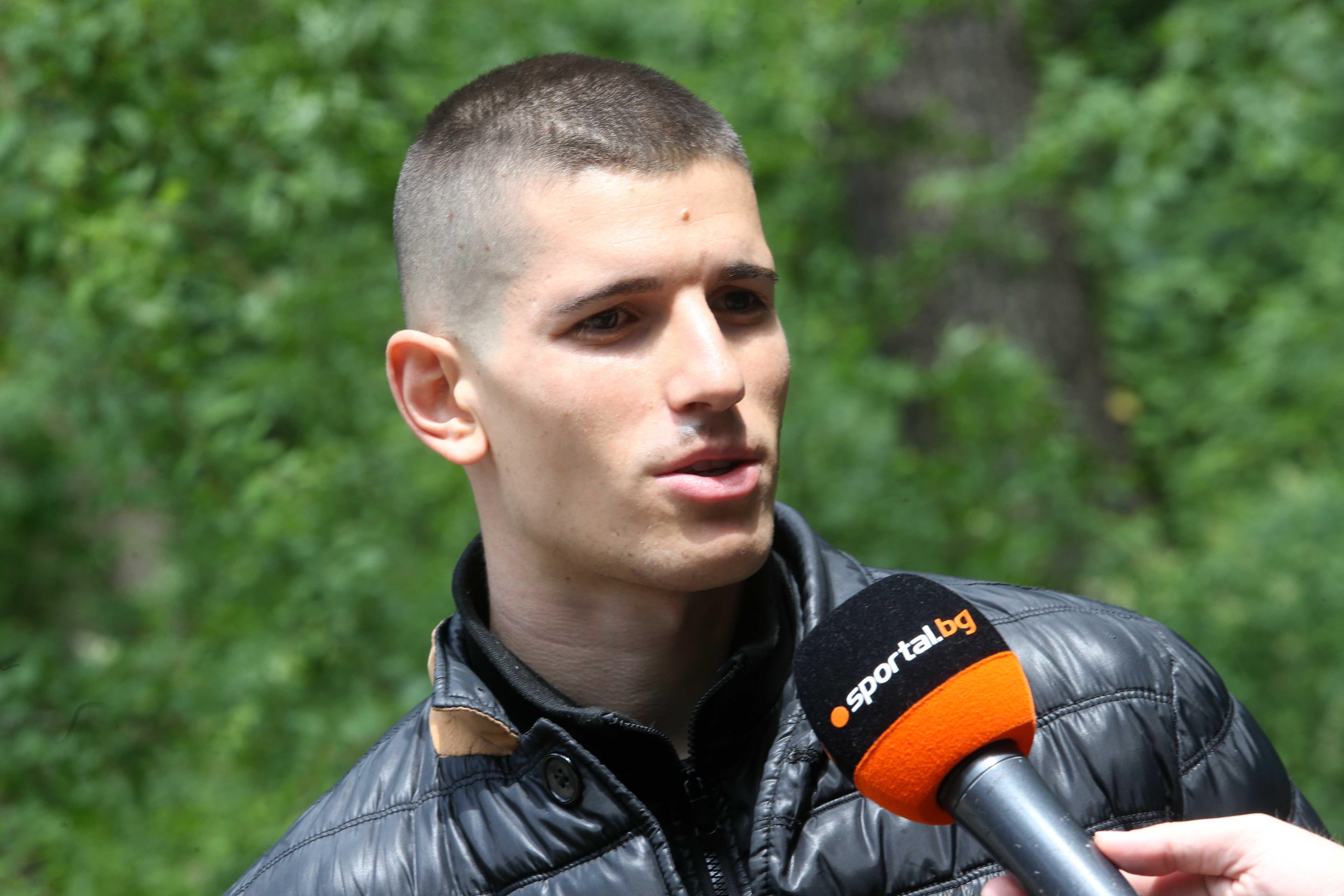 Вратарят на младежкия национален отбор по футбол Даниел Наумов, който