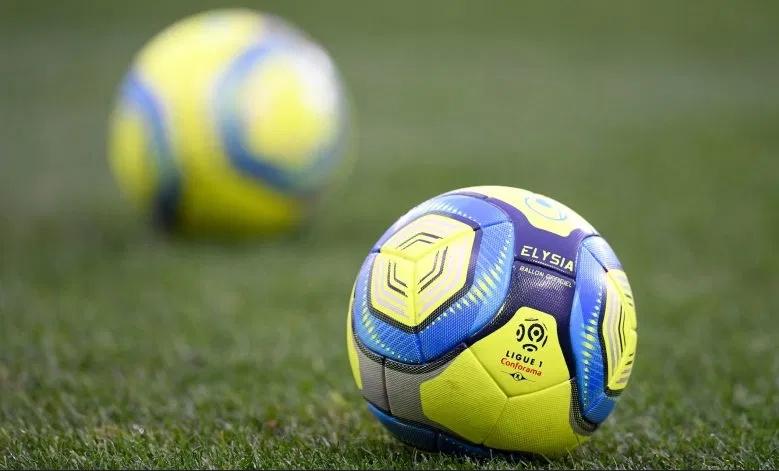 Френските футболни клубове ще могат да играят приятелски срещи през