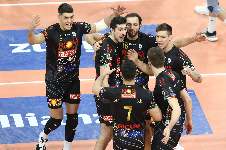 Волейболният отбор на Глобо Банка Пополаре дел Фрузинате (Сора), в