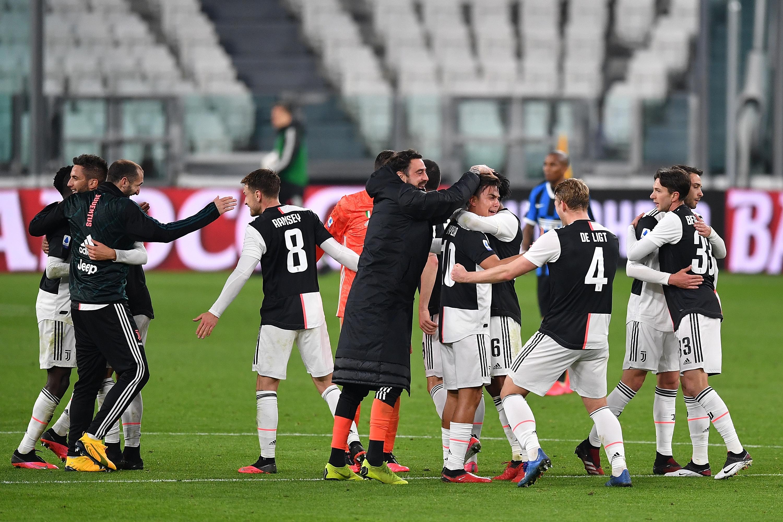 Официален футболен мач в Италия може да има на 12