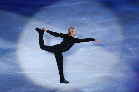 Бившият руски фигурист Евгений Плюшченко се похвали с физическата си