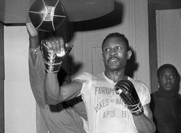 Бившият световен шампион по бокс в полусредна категория Къртис Коукс
