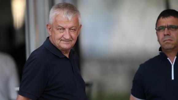 Собственикът на Локомотив (Пловдив) Христо Крушарски сподели, че не знае
