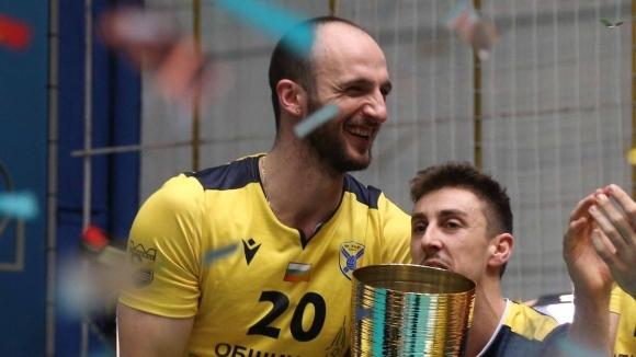 Теодор Тодоров ще играе и през следващия сезон в Хебър