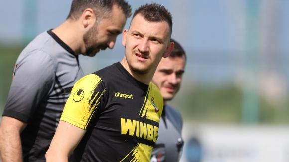 Звездата на Ботев (Пловдив) Тодор Неделев отрече, че води преговори