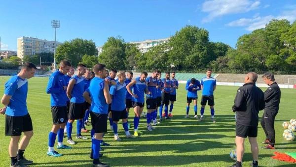 Трима футболисти на Черно море ще пропуснат гостуването на отбора