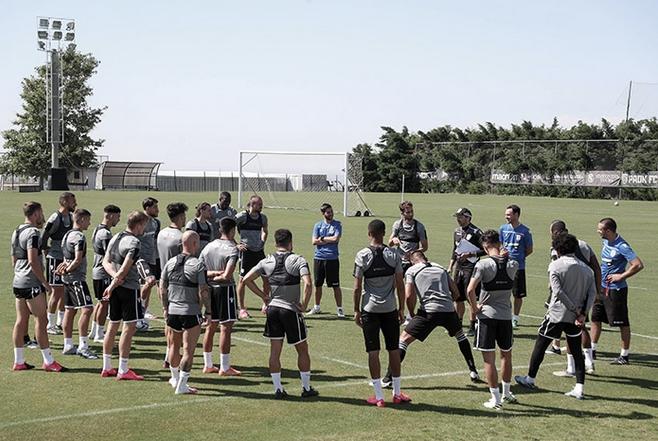 Футболът в Гърция ще се рестартира този уикенд, както и