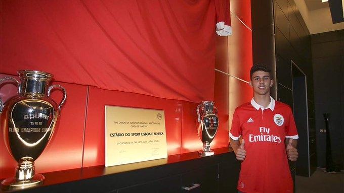 Милан ще се опита да привлече младия защитник на Бенфика