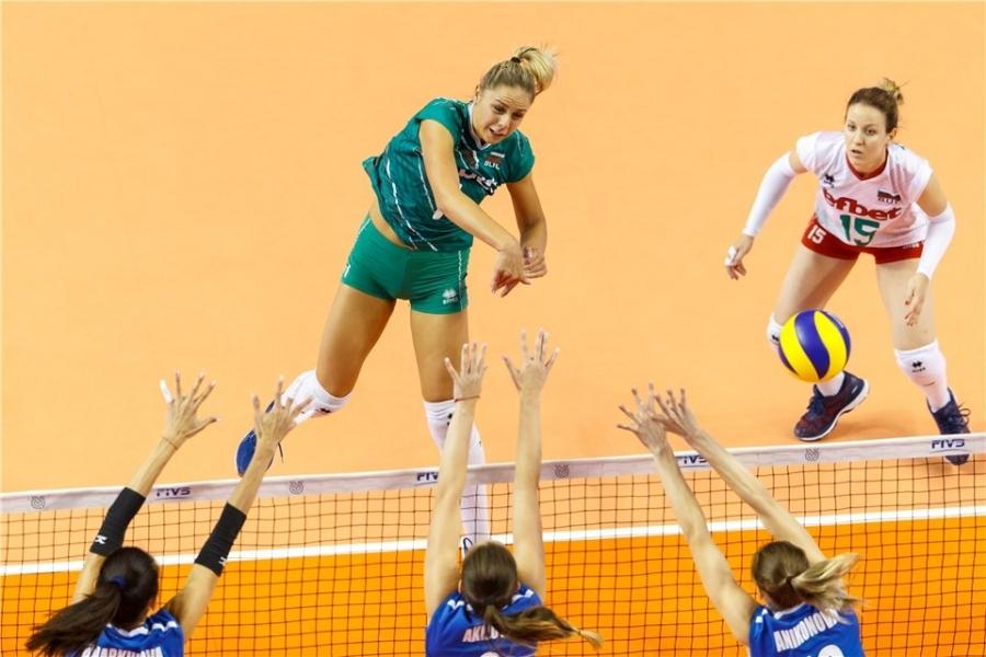 Селекционерът на женския национален отбор на България Иван Петков събира