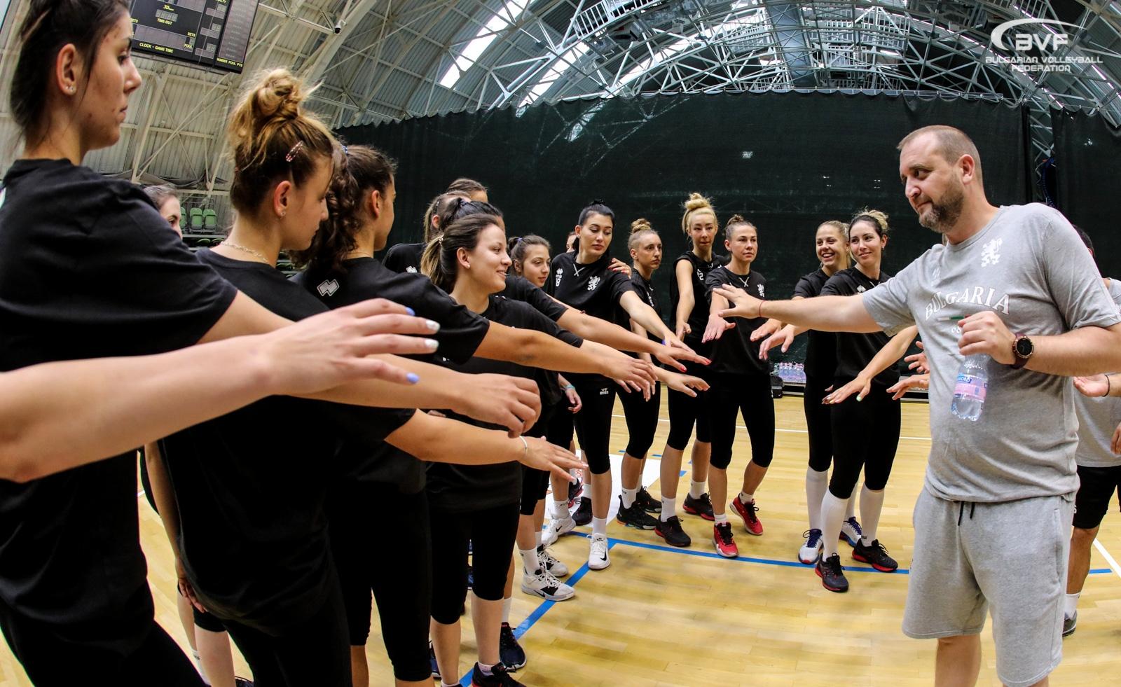 В добро настроение националният отбор на България по волейбол за