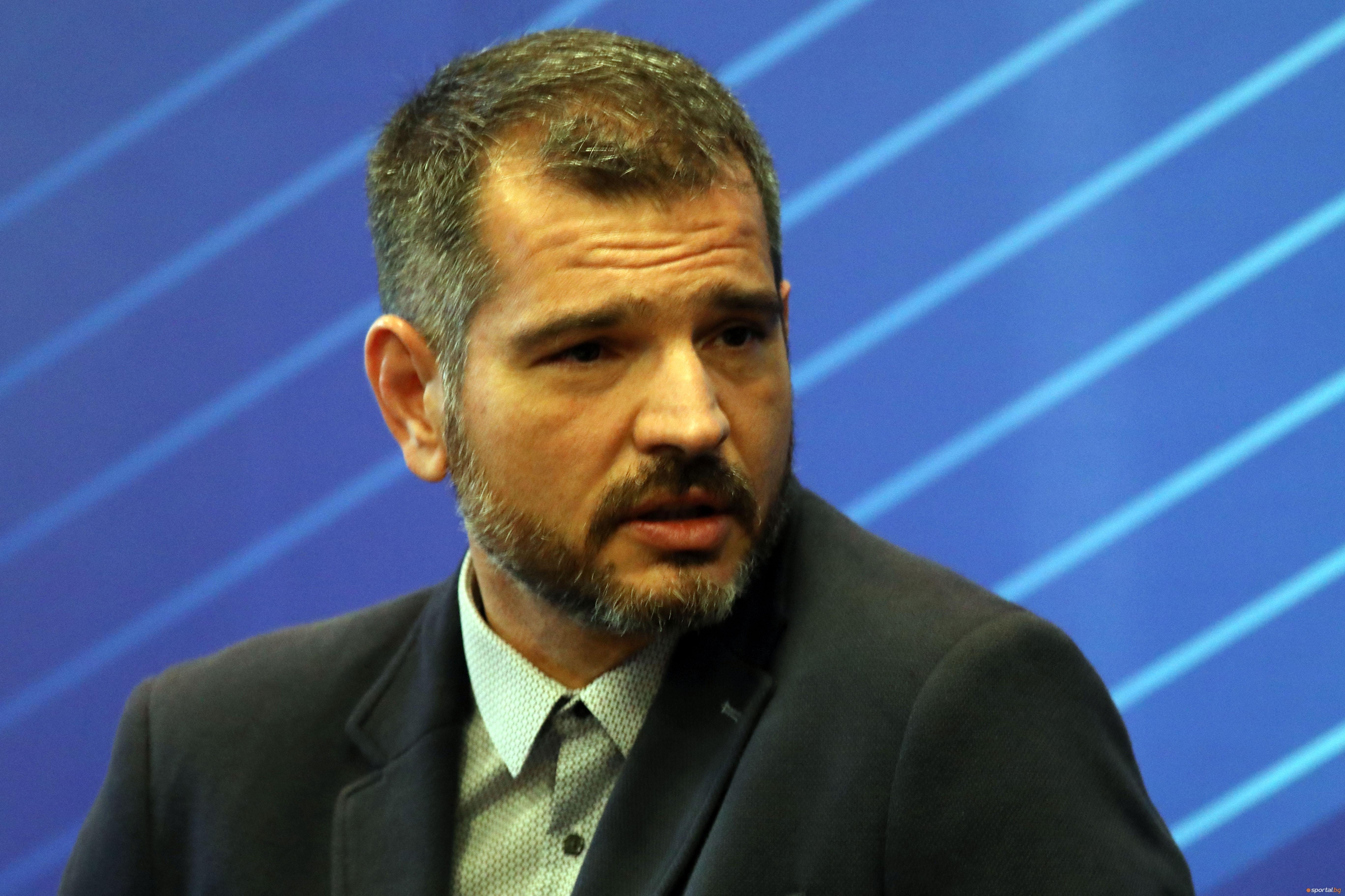 Новият председател на Националната волейболна лига Атанас Гаров представи екипа,