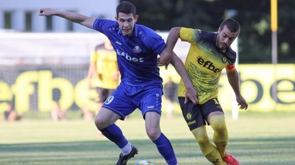 Новакът във Втора лига - Миньор (Перник), загуби с 0:2