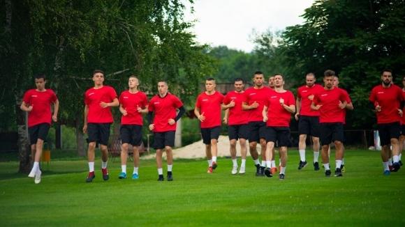 ОФК Локомотив (Мездра) започна подготовка за предстоящия сезон в Северозападната