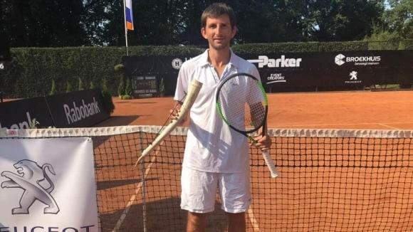 Sportal.bg разкрива: 40 неща, които не знаете за Александър Лазов