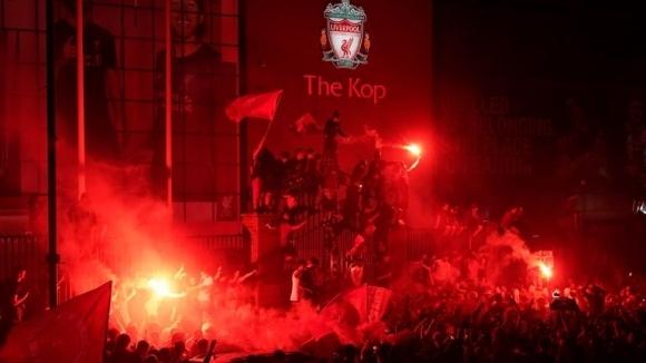 Полицията разкритикува феновете на Ливърпул, че купонясваха по улиците на