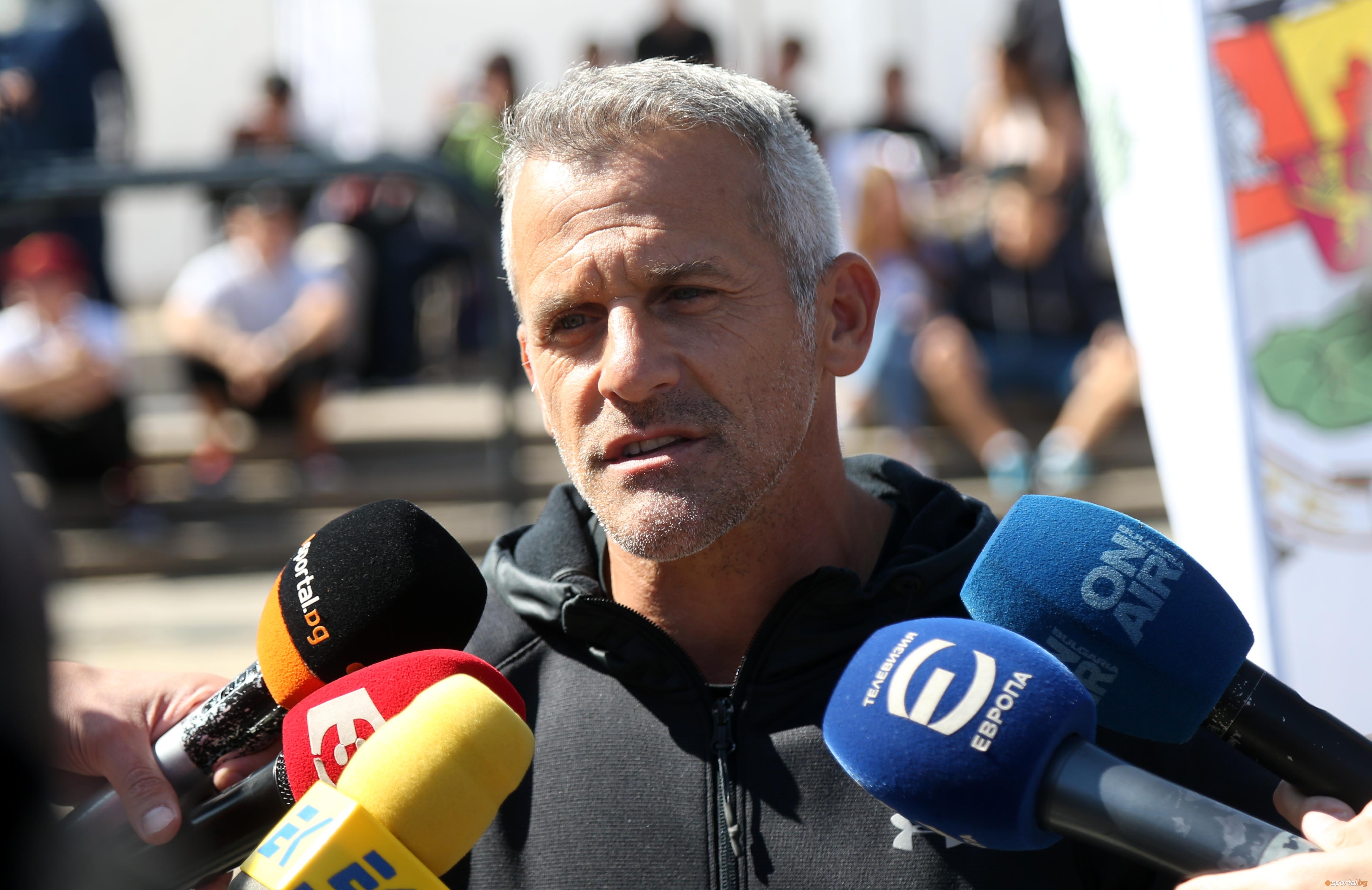Легендата в спортната ни гимнастика Йордан Йовчев освен генерален секретар