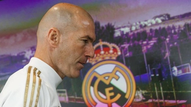 Старши треньорът на Реал Мадрид Зинедин Зидан не мисли да