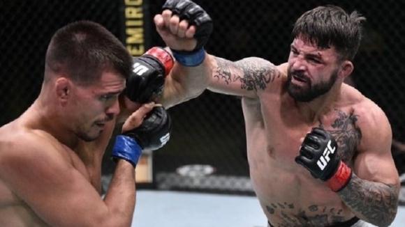 Майк ПерииМики Галсе биха в подглавната битка на UFC on