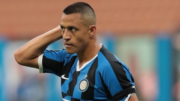 Отборът на Интер иска да удължи наема на нападателя Алексис