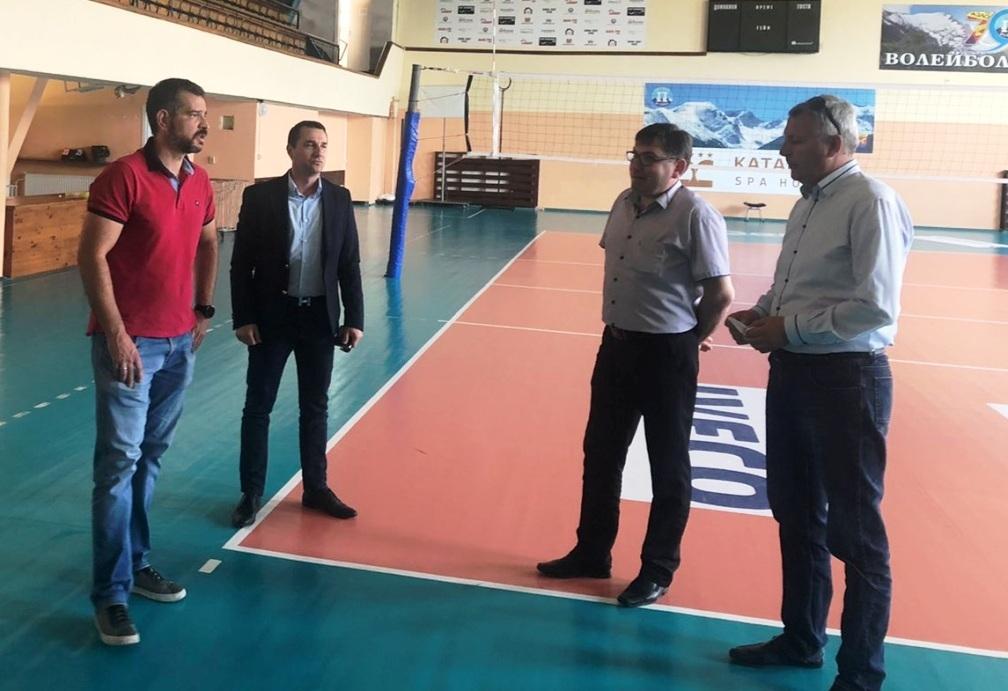 Разлог има належаща нужда от нова зала за волейбол, обсъдиха