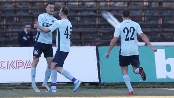 Решено е Людмил Киров да не води повече ФК Дунав.