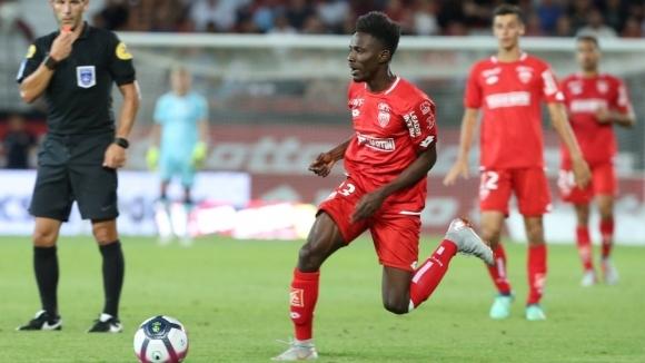 Още един български клуб, освен ЦСКА-София, проявява интерес към футболиста