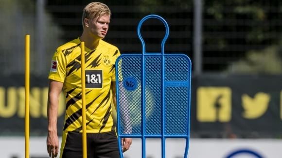 Нападателят на Борусия (Дортмунд) Ерлинг Холанд ще носи фланелката с