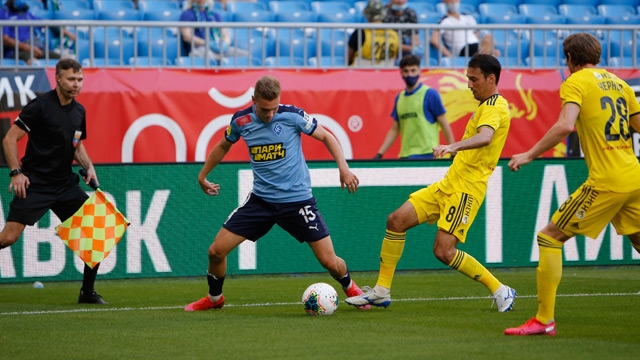 Ивелин Попов игра 86 минути за Ростов при нулевото равенство