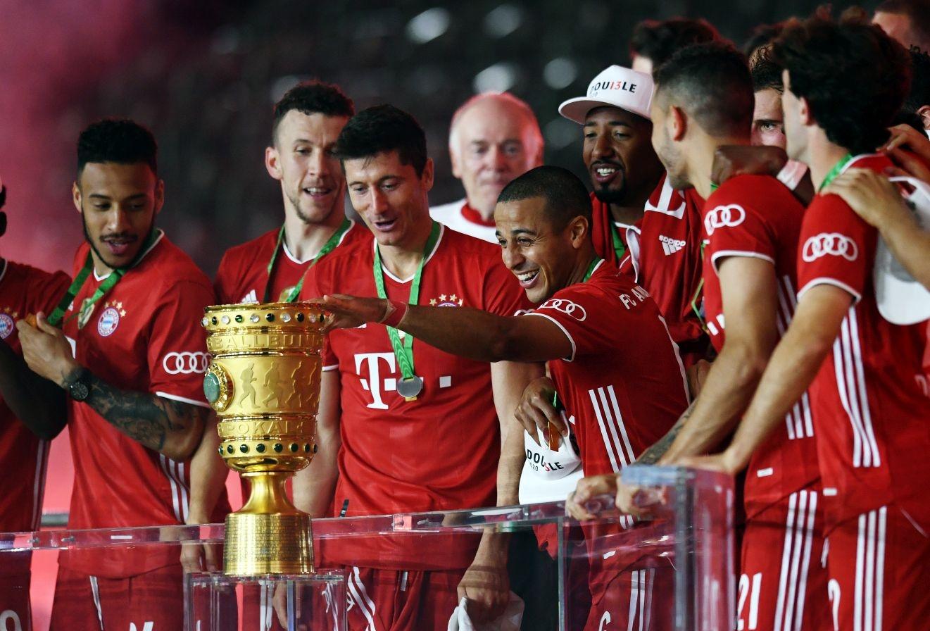 Старши треньорът на Байерн (Мюнхен) Ханзи Флик намекна, че клубът