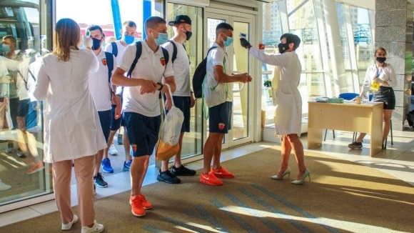 13 футболисти на Металург Запорожие са заразени с COVID-19, съобщиха