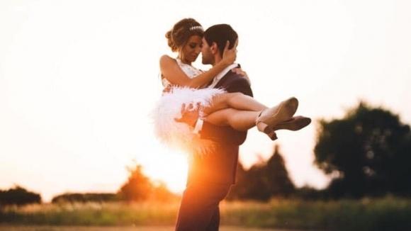 Сватбеният сезон продължава да тече с пълна сила. В съботния