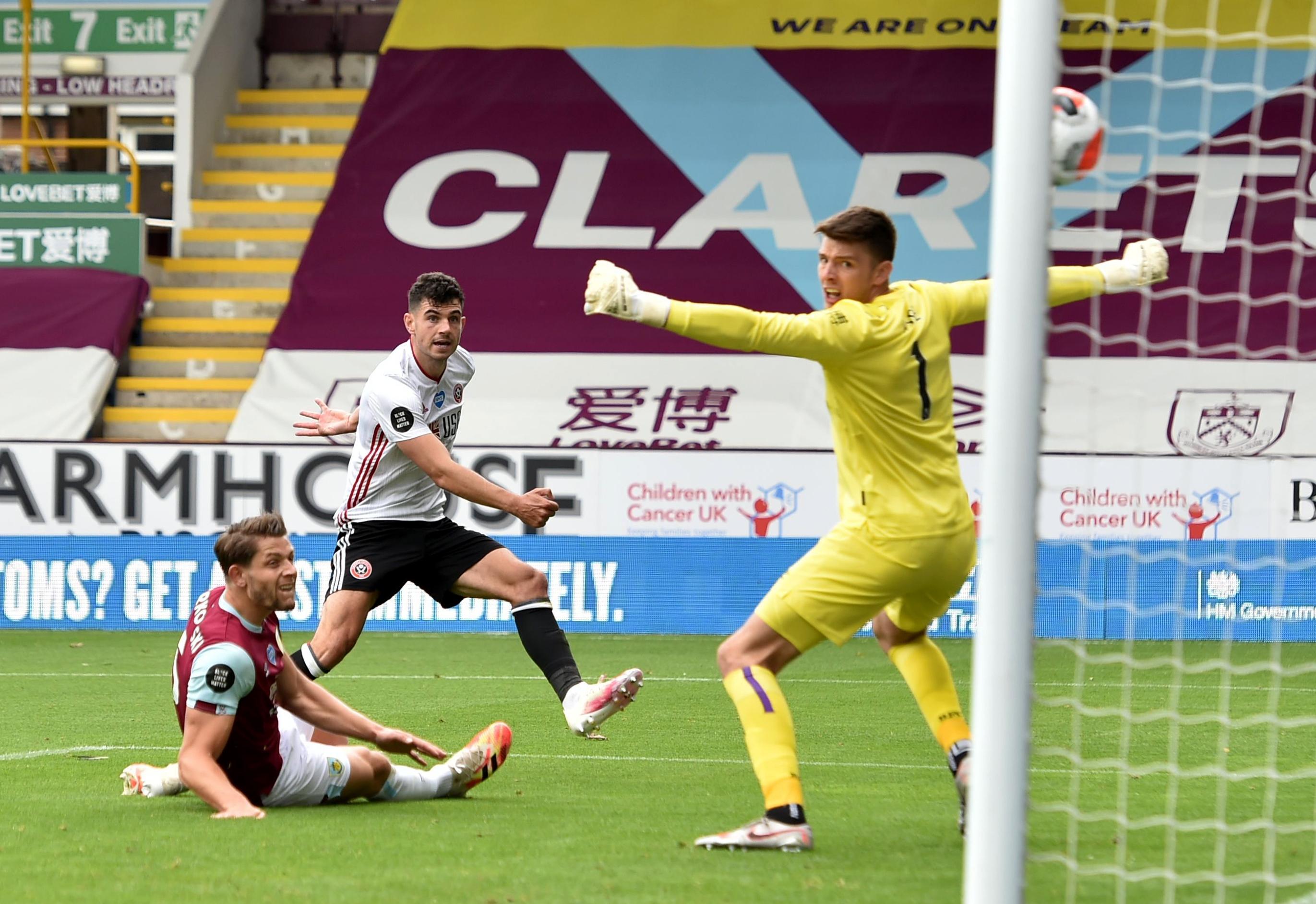 Бърнли и Шефилд Юнайтед завършиха 1:1 на