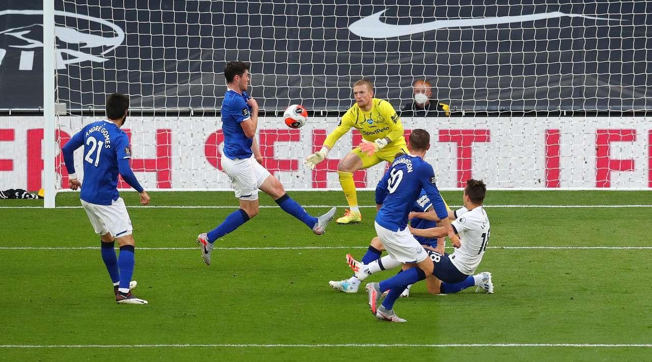 Тотнъм спечели с минималното 1:0 срещу Евертън в двубой от