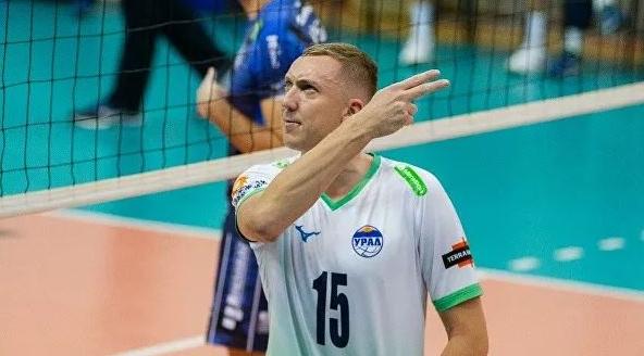 Трансферът на скандалния руски волейболист Алексей Спиридонов в най-титулувания гръцки