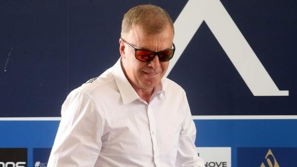 Мажоритарният собственик на Левски Наско Сираков си е направил спешен