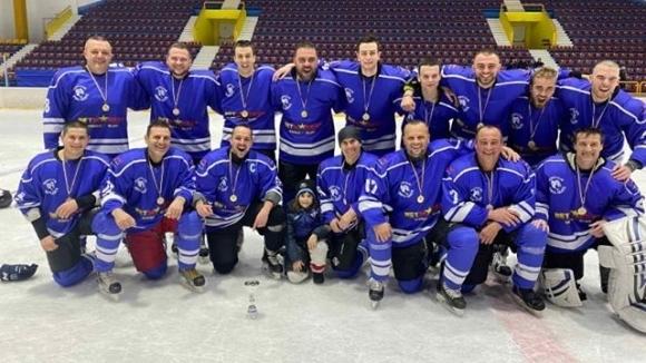 Българският шампион по хокей на лед Ирбис Скейт подсили състава