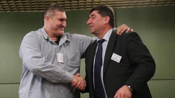 "Доскорошният управител на столичната зала ""Христо Ботев"" Боре Кьосев наскоро"
