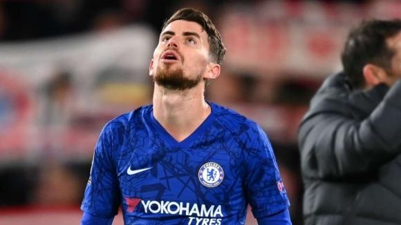 Полузащитникът Челси Жоржиньо не се чувства щастлив в отбора, съобщава