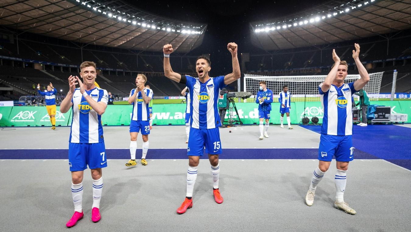 Челните позиции в Бундеслигатa и място в европейските клубни турнири
