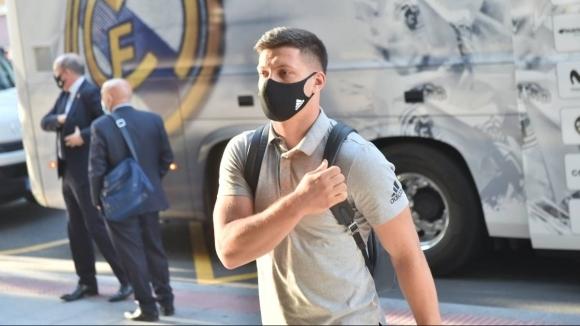 Нападателят на Реал Мадрид Лука Йович е поставен под карантина