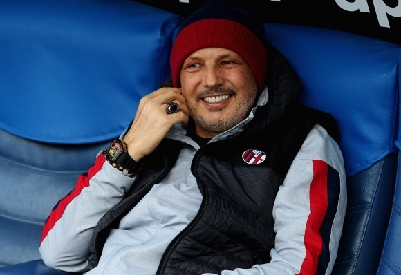 Треньорът на Болоня Синиша Михайлович беше бесен след загубата с