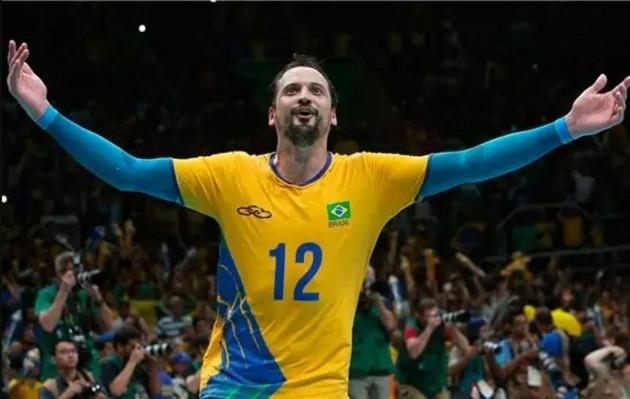 Олимпийският шампион с Бразилия от Игрите в Рио през 2016